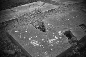 35-Graveyard-Canon-6D-Holga-Lens-Drilled-Full-Frame-Wide-Angle.jpg